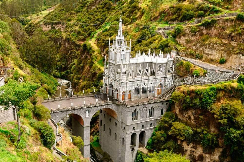 lugares-increibles-sacados-de-cuentos-lajas-colombia