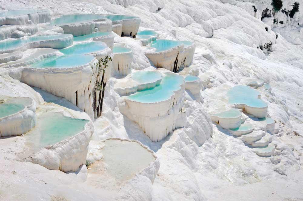 lugares-increibles-sacados-de-cuentos-pamukkale-turquia